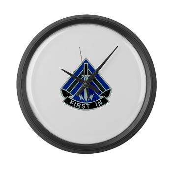 2HBCTSTB - M01 - 03 - DUI - 2nd BCT - Special Troops Bn - Large Wall Clock